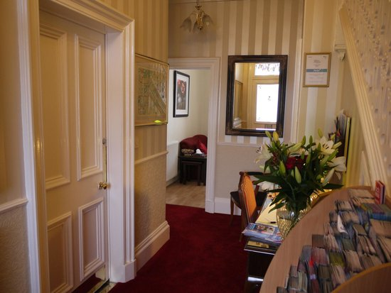 Classic Guest House: Reception area