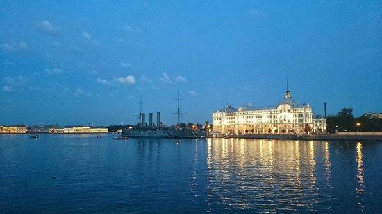Saint Petersburg: Отель Санкт-Петербург, местные достопримечательности ночью
