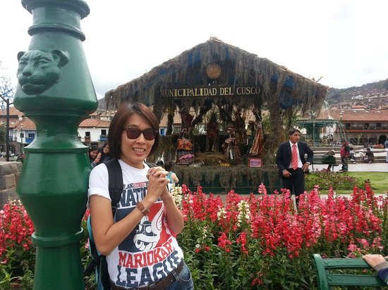 Plaza de Armas (Huacaypata): With the Jaguar lighting pole