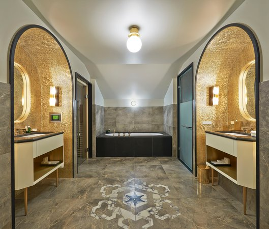 L'Apogee Courchevel: Penthouse's bathroom