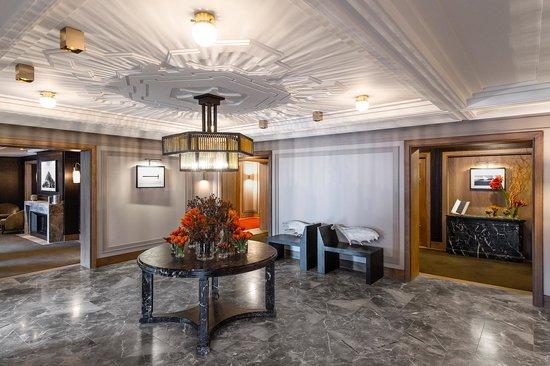 L'Apogee Courchevel: The lobby