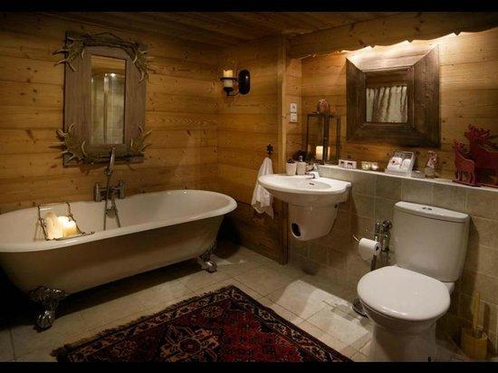 Chalet Perdu: Underground Luxury Bathroom; The Mazot