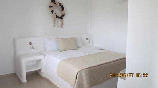 Evgenia Villas & Suites : Notre lit