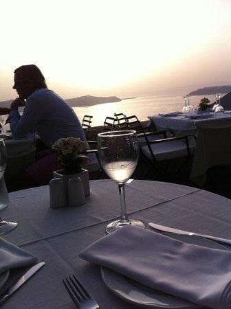 Archipelagos Restaurant: Por do Sol em Fira