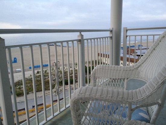 Marquis De Lafayette Hotel: Balcony