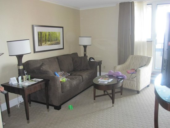 Albert at Bay Suite Hotel: Salon