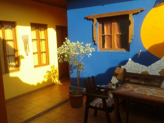 Hostal El Punto: RECEPCION Y PASILLO