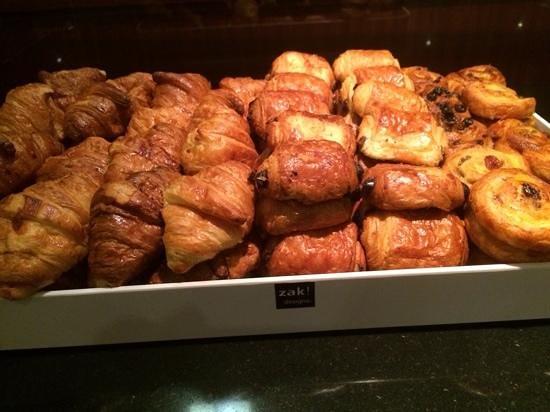 NH Geneva Airport: breakfast