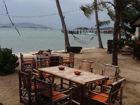 Secret Garden Beach Resort: bar restaurant plage