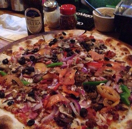 Pirilo Pizza Rustica: The Best Pizza in Town!!! Delicious.Must Do When you come to our Lovely Island!!! ������