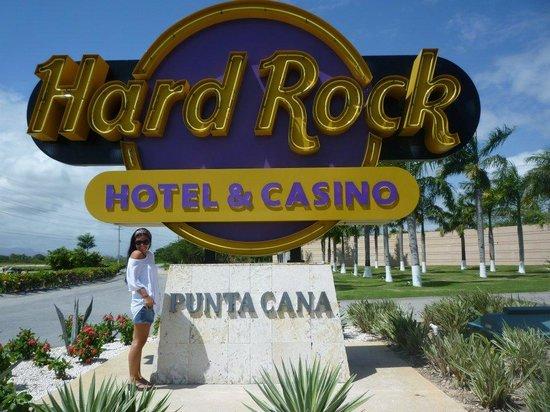 Hard Rock Hotel & Casino Punta Cana : En la entrada del hotel
