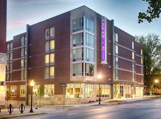 SpringHill Suites Bloomington: Exterior