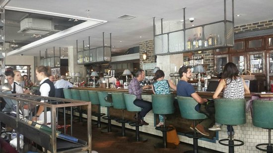 The Riding House Cafe: Buzzy Atmosphere