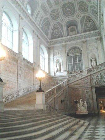 Royal Palace Napoli (Palazzo Reale Napoli): La scalinata
