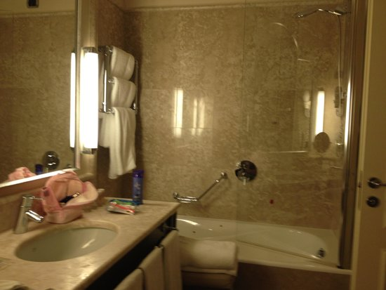 Starhotels Tuscany : El baño