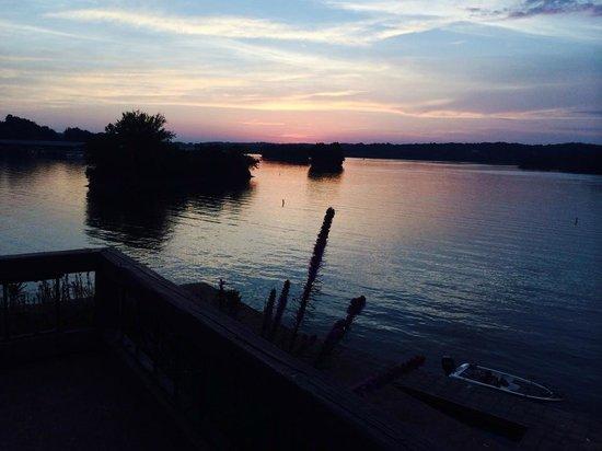 Lake Barkley Lodge: Bye, sun!