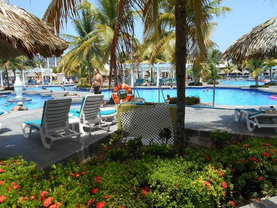 Hotel Riu Montego Bay: the pool