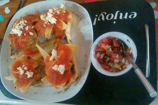 Nam Nam: Molletes de chilaquiles