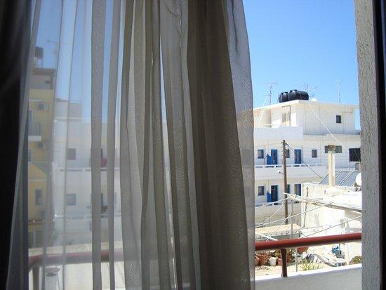 Hotel Thalia: Вид из окна