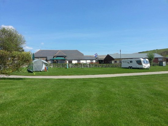 East Fleet Farm Touring Park: The Old Barn Pub and Dining