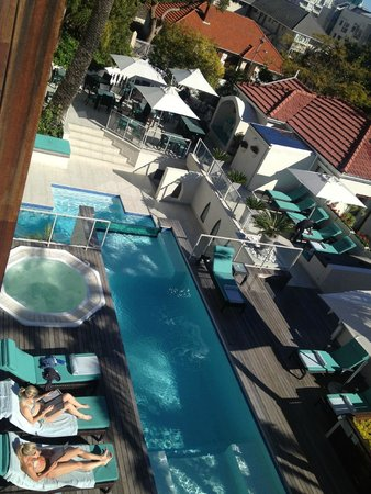 Glen Boutique Hotel & Spa: pool view from balcony