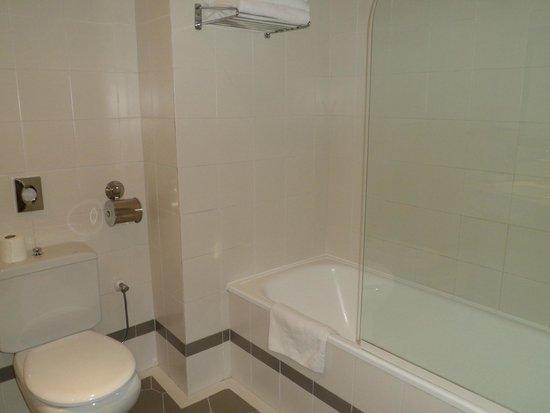 Hotel Juan Miguel: Cuarto de baño