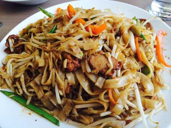 Zen Gardens: Noodle dish