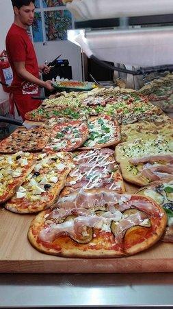 pizza bancone quoreitaliano - Picture of Italian Heart, Rome ...