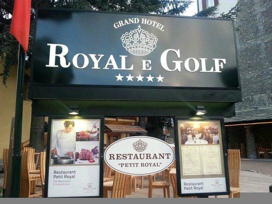 Grand Hotel Royal e Golf : insegna hotel