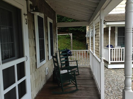 Sunapee Harbor Cottages: The porch