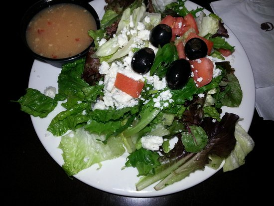 Doubletree Houston Intercontinental Airport: Salad from Restaurant