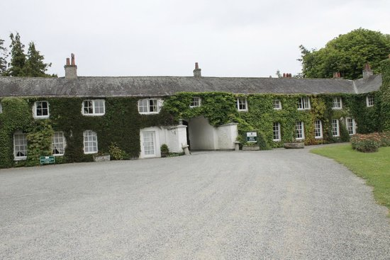 Rathsallagh House: Front entrance