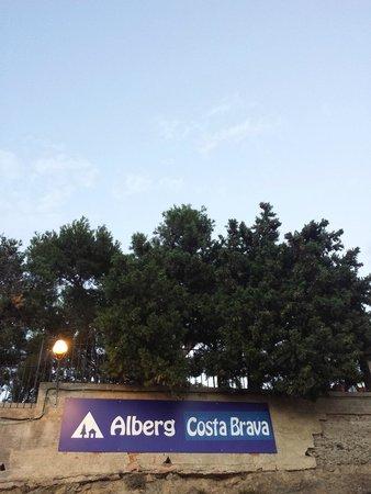 Alberg Costa Brava : Esta pegado a la estación y es super trankilo