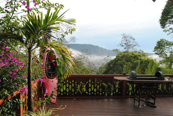 Spanish by the River - Turrialba : view of the volcano from the terrace