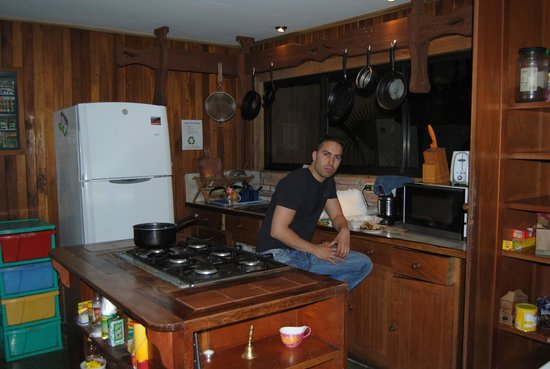 Spanish by the River - Turrialba: kitchen
