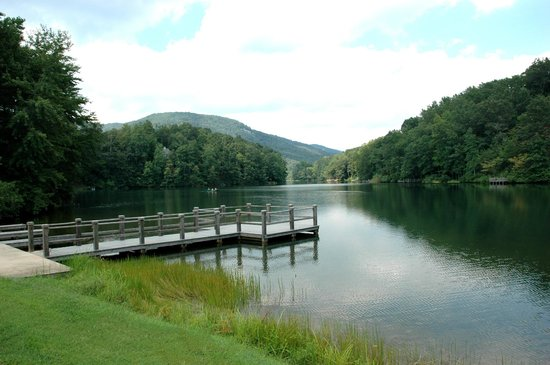 Rumbling Bald Resort on Lake Lure: Bald Mountain Lake on property.