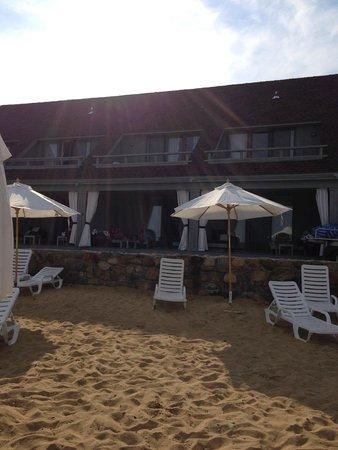 Montauk Yacht Club Resort & Marina: Room view from the beach.