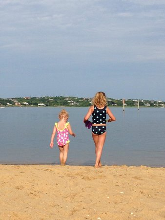 Montauk Yacht Club Resort & Marina: Playing at the beach just outside our room.