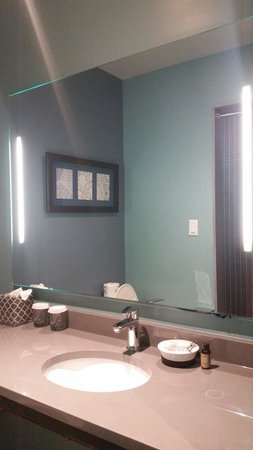 The Paper Factory Hotel: Bathroom