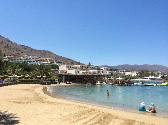 Elounda Peninsula All Suite Hotel: один из пляжей