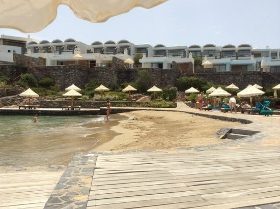 Elounda Peninsula All Suite Hotel : пляж отеля