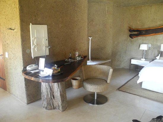 Sabi Sabi Earth Lodge: Desk