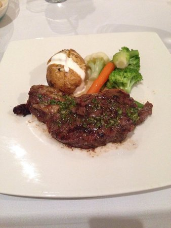 Le Reve Hotel & Spa : The steak was best thing I had