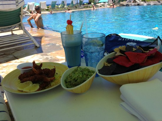 St. Regis Princeville Resort: Poolside Food - Chips / Guac