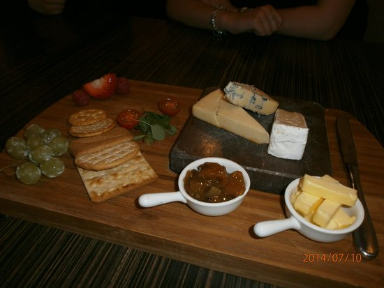 The Black Rock Grill: Cheese board