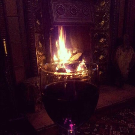 The Oak - Y Dderwen: Roaring fire ,wintertime!
