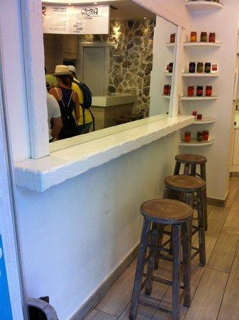 Fresko Yogurt Bar: at Fresko, in and out view