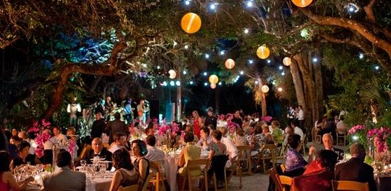 Manasota Beach Club : Book your next special event to be held under our Live Oak Canopy