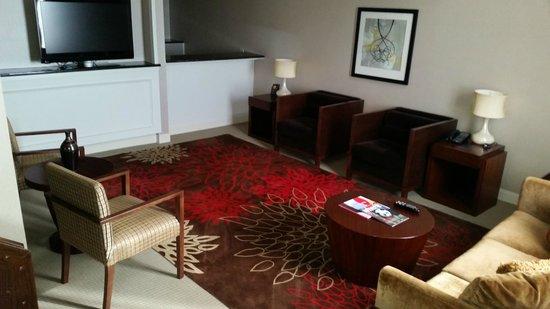Hilton Atlanta: Living Room