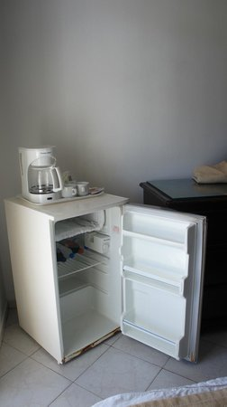 The Tropical at Lifestyle Holidays Vacation Resort : Fridge was disgusting